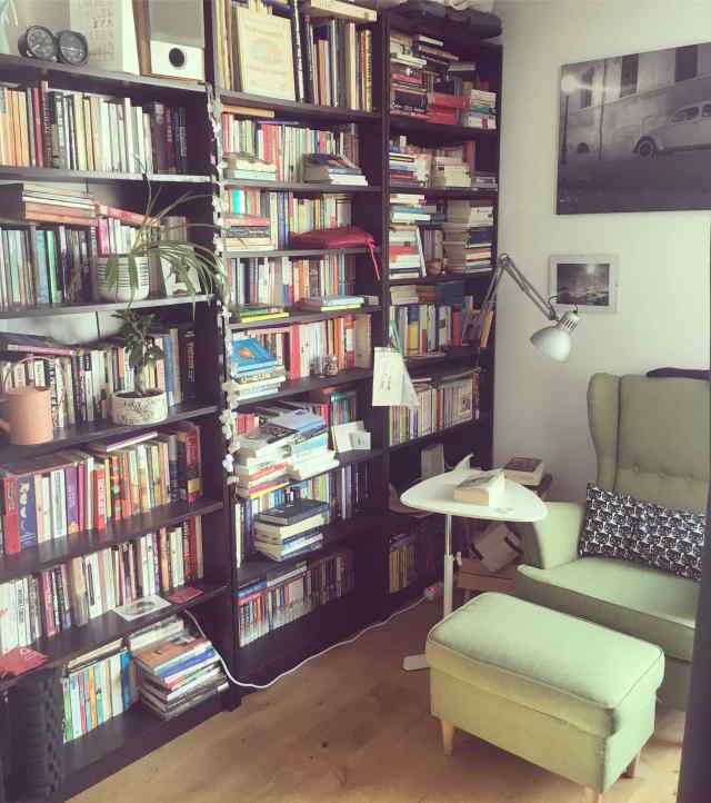 chair with book shelves